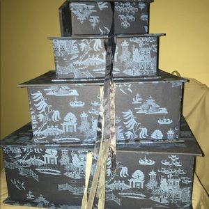 Nesting storage boxes